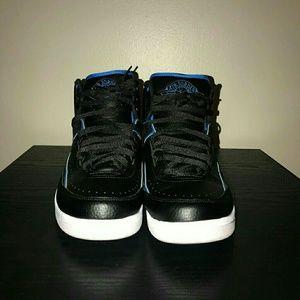 Air Jordan Retro 2